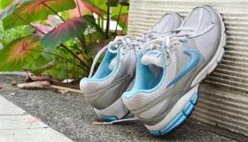 Как быстро высушить кроссовки?
