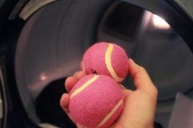 Как стирать пуховик с теннисными шариками?