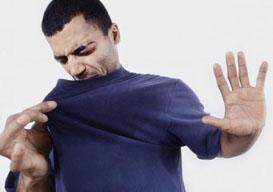 Как удалить запах пота с одежды